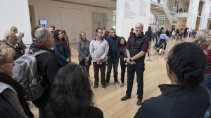 Jeffrey Bulger, PhD, gives a tour of the Art Institute of Chicago to CMS alumni during the CMS reunion weekend.